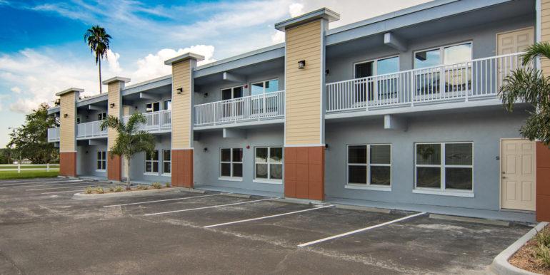 3300 Oak St NE Saint-large-002-8-Masonic Home Apartments-1500x1000-72dpi