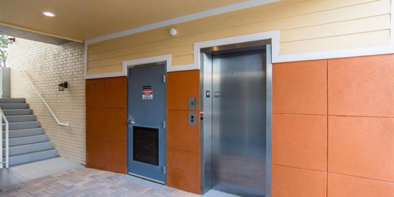 3300 Oak St NE Saint-large-003-31-Masonic Home Apartments-1472x1000-72dpi