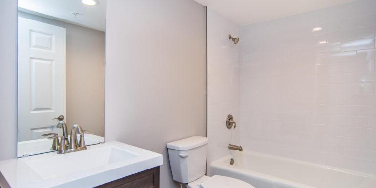 3300 Oak St NE Saint-large-010-5-Masonic Home Apartments-1500x1000-72dpi