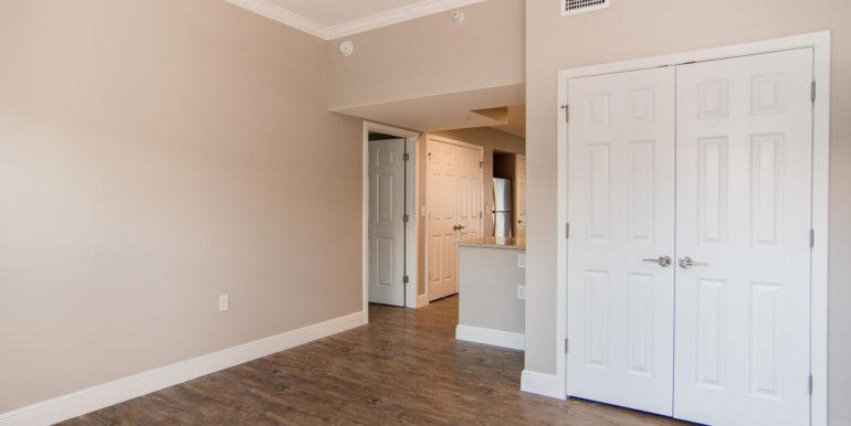 3300 Oak St NE Saint-large-014-12-Masonic Home Apartments-1500x1000-72dpi