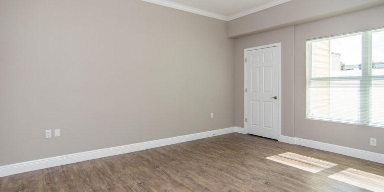 3300 Oak St NE Saint-large-022-11-Masonic Home Apartments-1500x948-72dpi