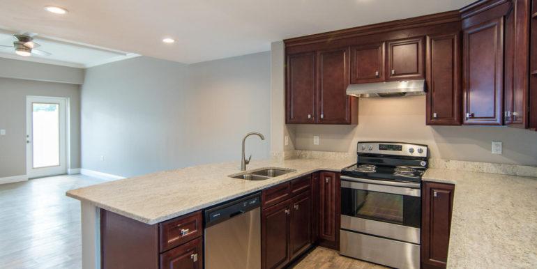 3300 Oak St NE Saint-large-015-6-Masonic Home Apartments-1500x933-72dpi