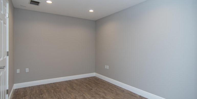 3300 Oak St NE Saint-large-019-22-Masonic Home Apartments-1500x991-72dpi
